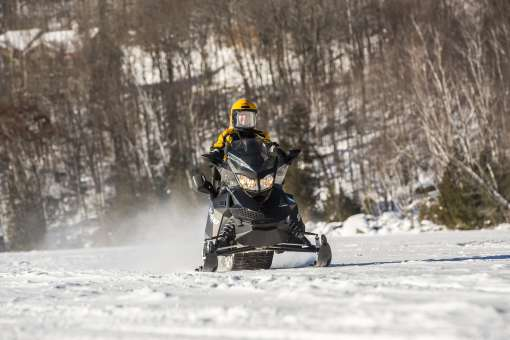 Snowmobile expetition